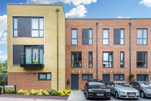 Thumbnail Property to rent in Pipit Drive, Putney