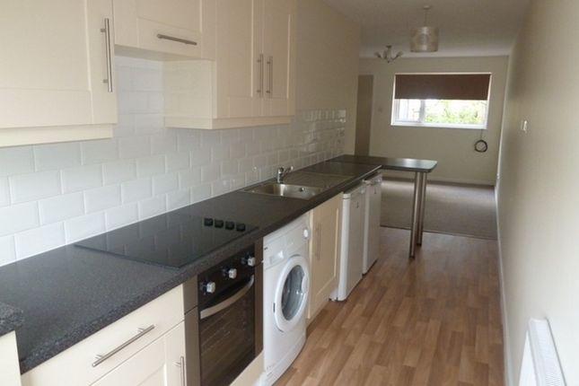 Thumbnail Flat to rent in Hexworth Walk, Bramhall