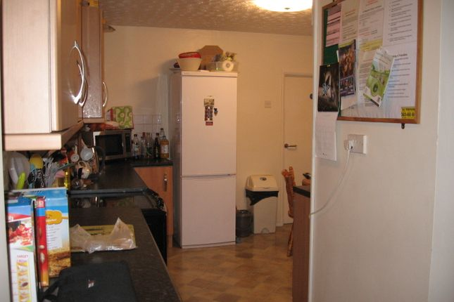 Thumbnail Shared accommodation to rent in Magdalen Street, Bills Included
