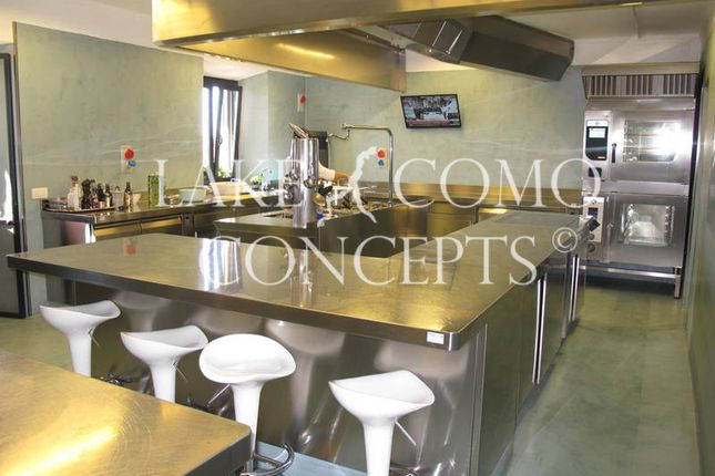 Thumbnail Hotel/guest house for sale in Hotel Opportunity, Cuneo, Piedmont, Italy
