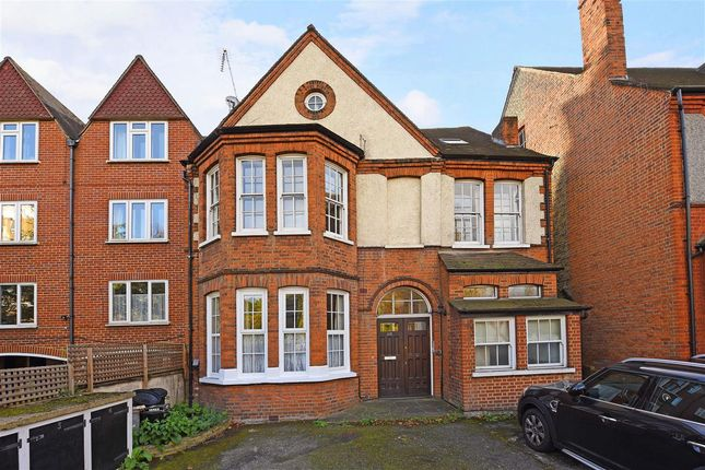 Thumbnail Flat to rent in Upper Richmond Road, London