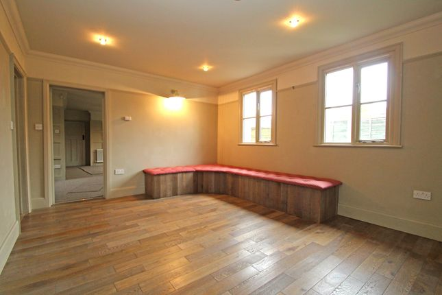 Dining Room of Widey Lane, Plymouth PL6