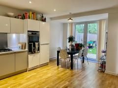 Thumbnail Shared accommodation to rent in Bathurst Square, Seven Sisters