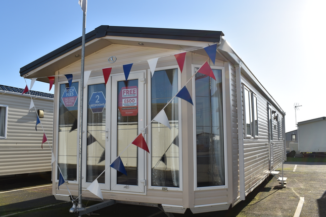 Don'T Miss Out On The Bk Bluebird Sheraton  - The Holiday Home Of Your Dreams!  Early Bird Or Night Owl? You'Ll Find Things To Do At Any Time Of Day At St Osyth Beach Holiday Park.