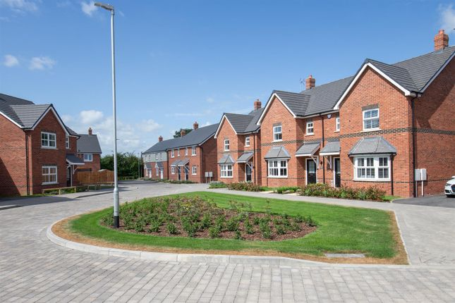 Street Scene of Plot 18, The Larch, The Orchards LU6
