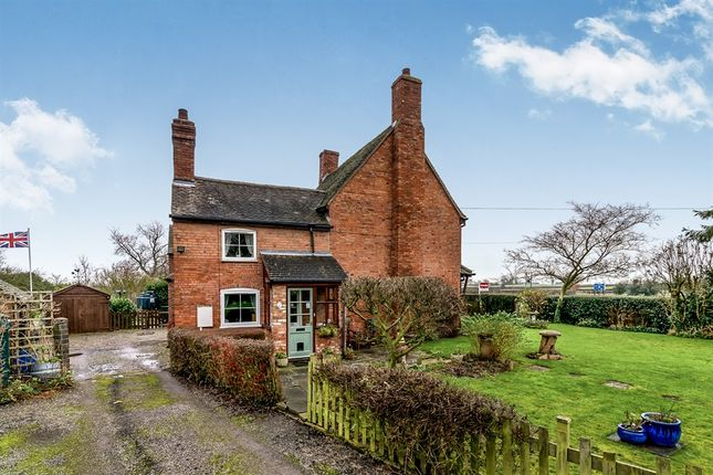 Thumbnail Cottage for sale in The Green, Elford, Tamworth
