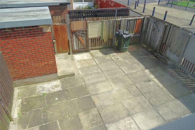 Picture No. 15 of Kenton Way, Bradford, West Yorkshire BD4