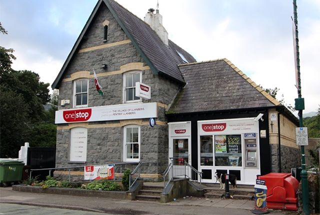 Thumbnail Retail premises for sale in High Street, Caernarfon