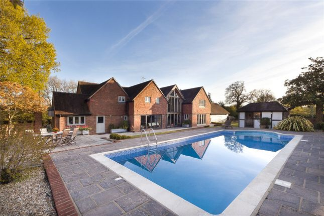 Thumbnail Detached house to rent in Pigbush Lane, Loxwood, Billingshurst, West Sussex
