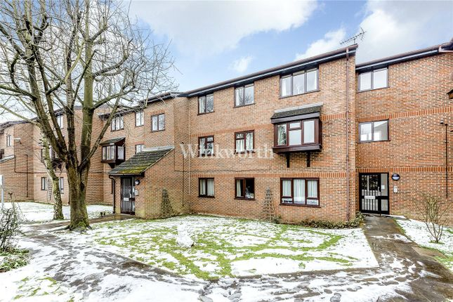 Thumbnail Flat for sale in Northcott Avenue, Bounds Green