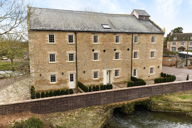 Thumbnail Flat for sale in Mill Lane, Yarwell