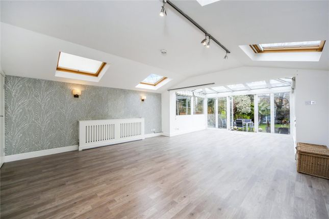 Thumbnail Flat for sale in Dornton Road, Wandsworth, London