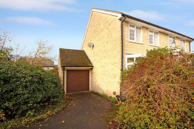 Picture No. 10 of Jacobs Close, Witney, Oxon OX28
