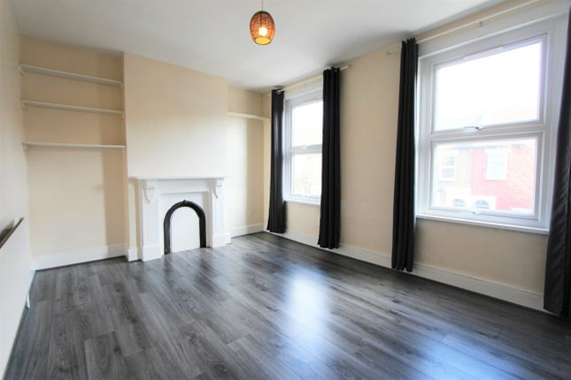 Thumbnail Flat to rent in Adley Street, London