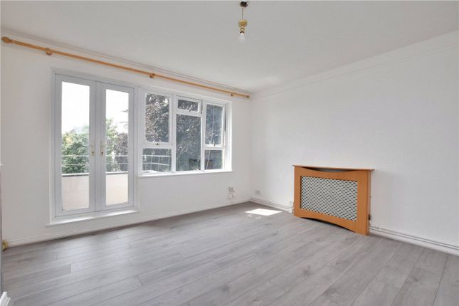 1 bed flat to rent in Paynell Court, Blackheath, London SE3