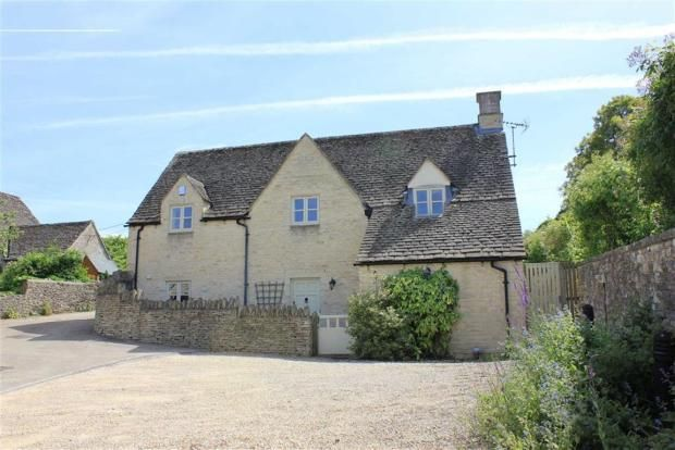 Detached house to rent in Sweeps Lane, Burford