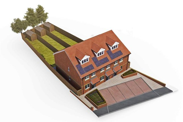 Thumbnail Town house for sale in Cliffe Road, Strood, Rochester, Kent