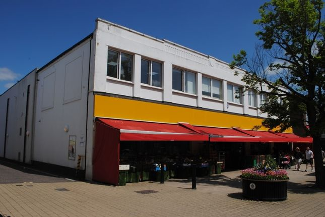 Thumbnail Commercial property for sale in High Street, Hornchurch