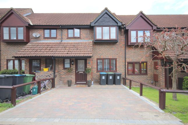 Thumbnail Terraced house for sale in Tooveys Mill Close, Kings Langley