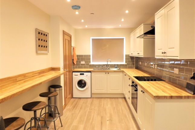 Thumbnail Property to rent in Letty Street Lane, Cathays, Cardiff