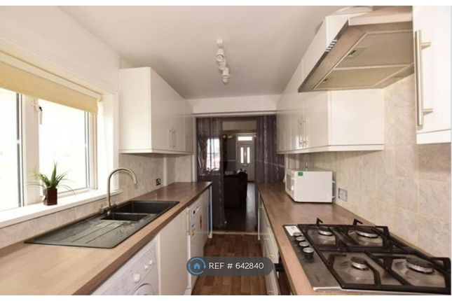 Thumbnail Terraced house to rent in Upper Luton Road, Chatham