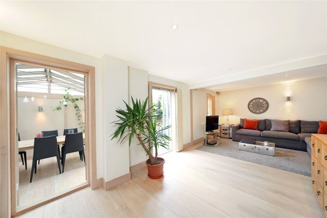 Thumbnail Terraced house to rent in Palace Mews, Fulham