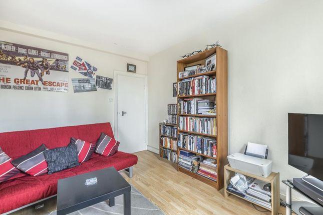 Living Room of Waverley Grove, London N3
