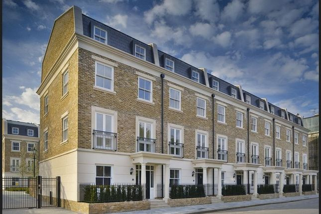 Thumbnail Flat for sale in The Byfield, Hurlingham Gate, Fulham