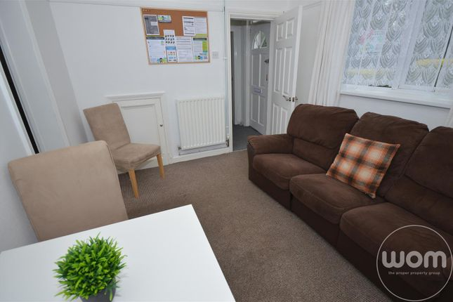 Thumbnail Terraced house to rent in Hill Street, Newcastle-Under-Lyme