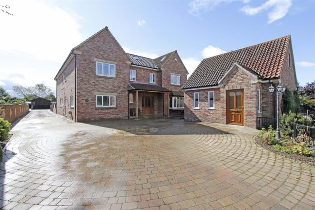 Thumbnail Detached house for sale in Chapel Street, Haconby, Bourne