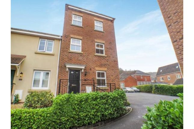 Thumbnail Town house for sale in Glas Y Gors, Aberdare