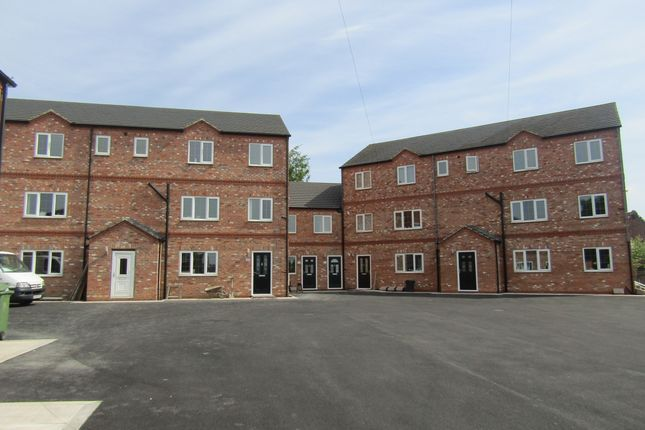 Thumbnail Flat to rent in Bolus Lane, Outwood, Wakefield