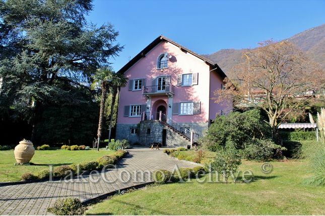 4 bed villa for sale in Mezzegra, Lake Como, Italy