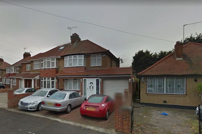 Thumbnail Room to rent in Stirling Rd, Hayes