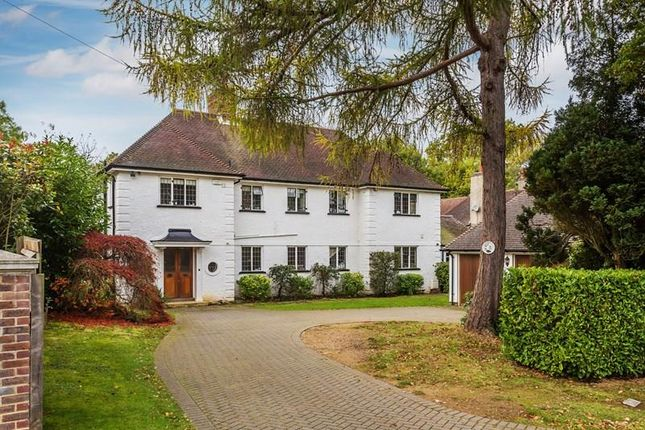 4 bed property for sale in Woodland Way, Purley