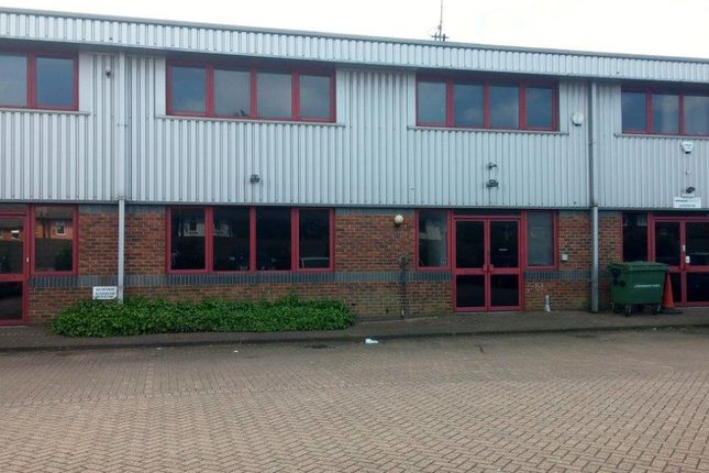 Light industrial to let in titan court laporte way luton for Laporte courthouse