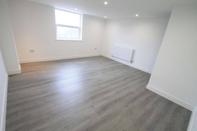 Thumbnail Flat to rent in Rothesay Road, Luton