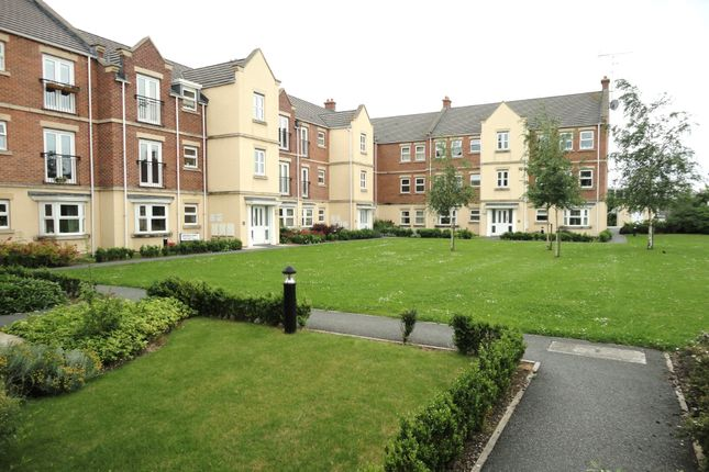 Thumbnail Flat to rent in Whitehall Road, New Farnley, Leeds