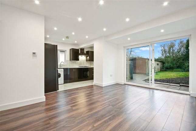 3 bed bungalow to rent in Cavendish Avenue, Ruislip, Hillingdon HA4