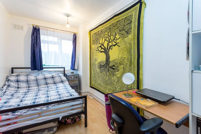 Thumbnail Maisonette to rent in Eric Street, London