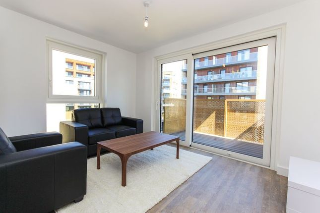Thumbnail Flat to rent in Copenhagen Court, Surrey Quays