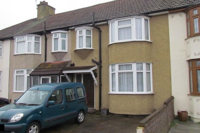 Thumbnail Terraced house to rent in Southern Way, Romford