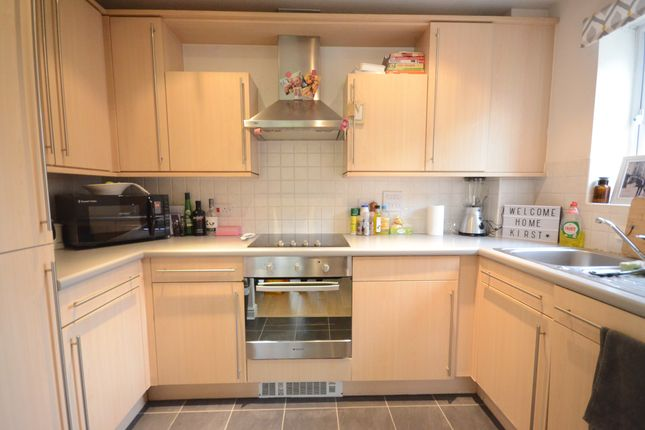 Thumbnail Flat to rent in St. Catherines Wood, Camberley