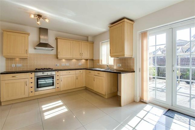 Thumbnail Town house to rent in Harlow Crescent, Oxley Park, Milton Keynes