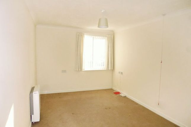 Bedroom of Abraham Court, Oswestry SY11