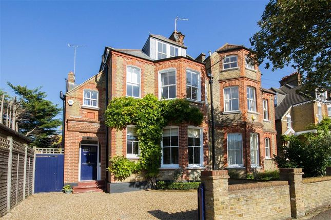 Thumbnail Property for sale in Criffel Avenue, London