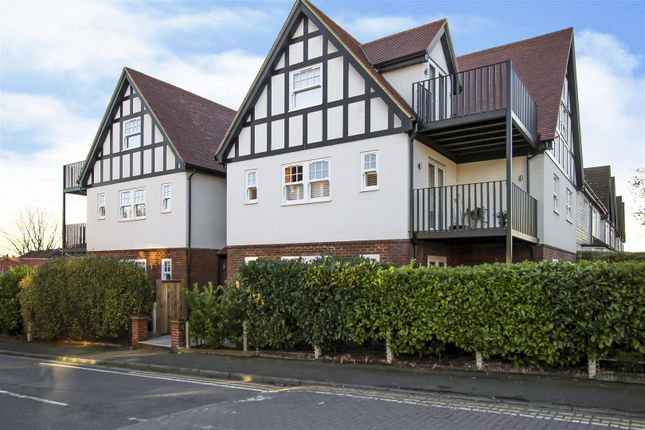 Thumbnail Flat for sale in Westbury Road, Brentwood