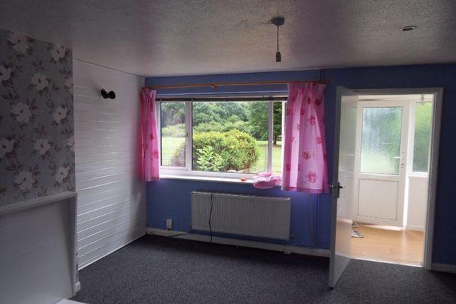 Lounge Area of Ranworth Walk, Bedford MK40