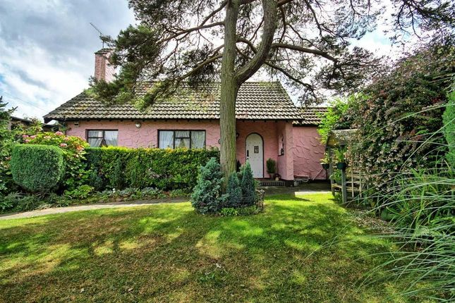 Thumbnail Bungalow for sale in Broadlawn, Leigh-On-Sea