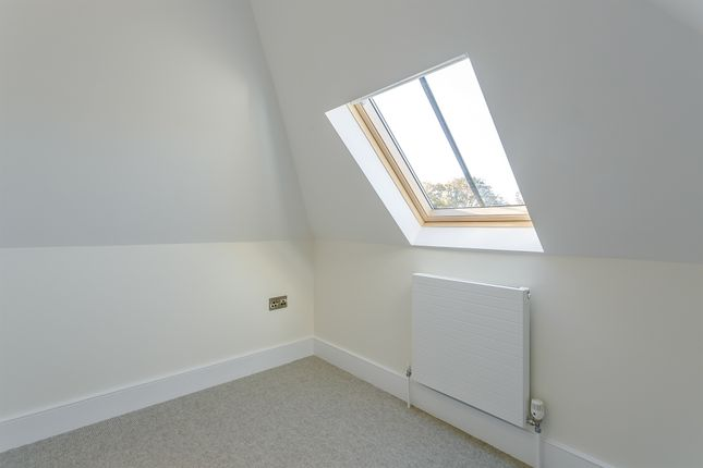 2 bedroom town house for sale in Rock Road, Stamford